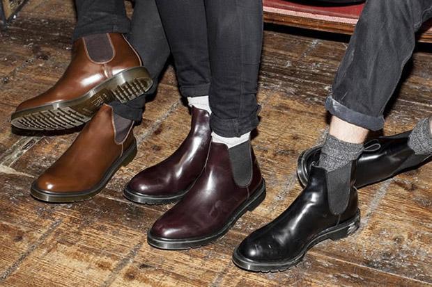4a5ae91cdffb3 أحذية جون لوب توفر الراحة المطلقة لكونها مصممة بشكل يجعلها تحتضن سطح القدم  مع بقاء مساحة كافية للحركة تحت أخمص القدم.